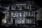 'The Haunting of Hill House' Lights a Fire With a Slow Burn